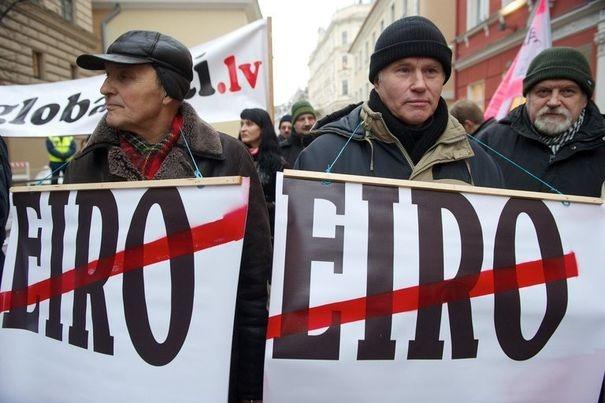 eurodictature lettonie euro