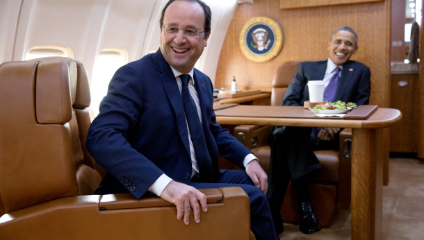 Barack_Obama_and_François_Hollande_on_board_Air_Force_One_February_2014