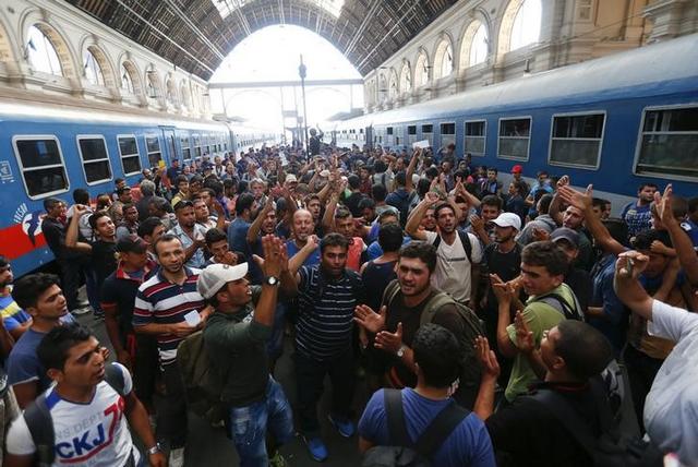 2015-09-04 Russie politics arme migratoire et Maidan européen