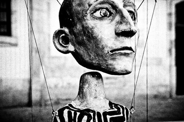 marionnette-spectacle-capitaliste