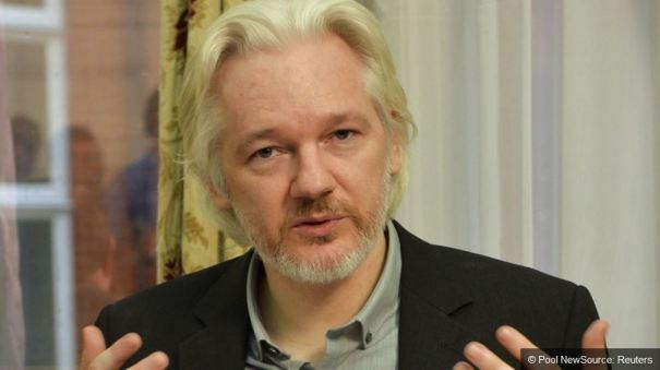 Julian Assange France controle total Etats-Unis