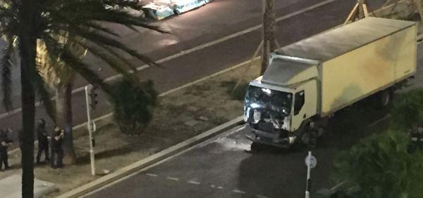 camion-blanc-nice-