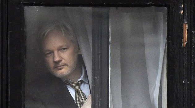 qui-derriere-wikileaks-assange